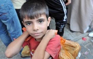 Foto UNRWA. Reparto de alimentos a miles de familias desplazadas en Gaza (1)